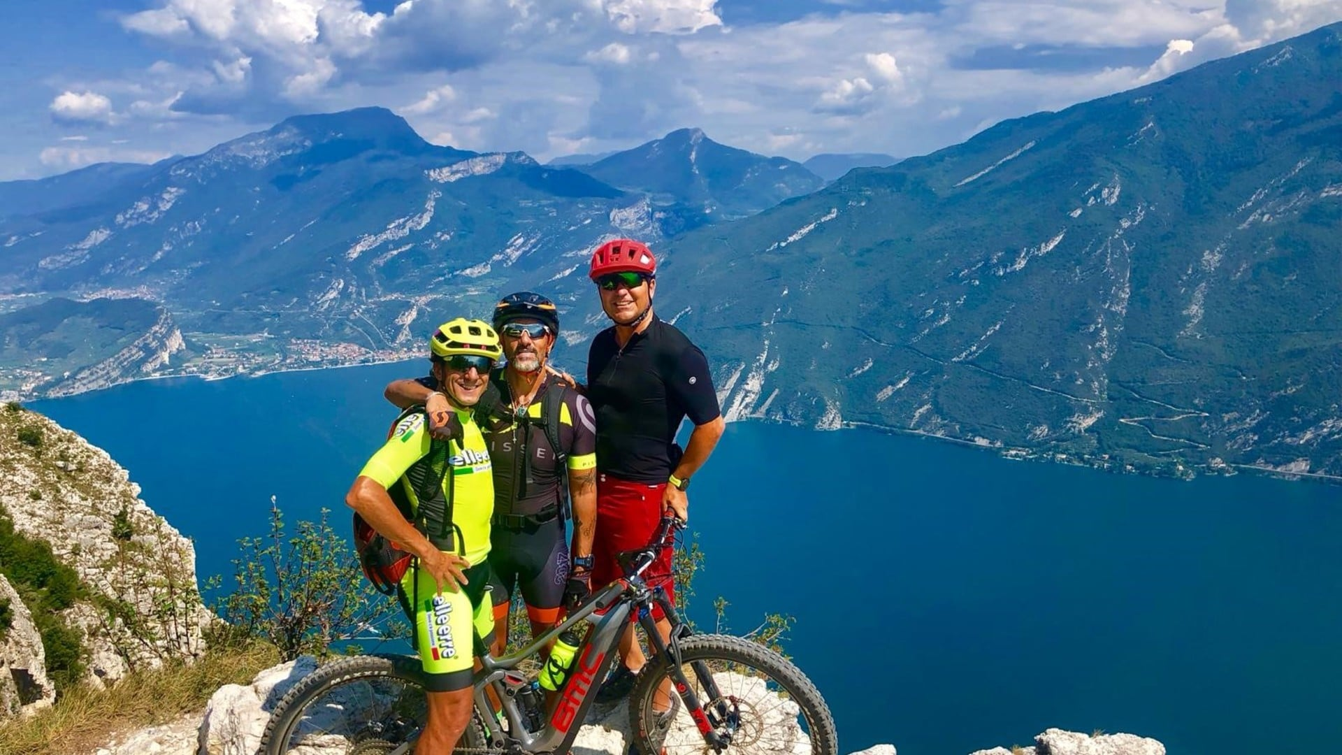 MOUNTAINBIKE TOURS