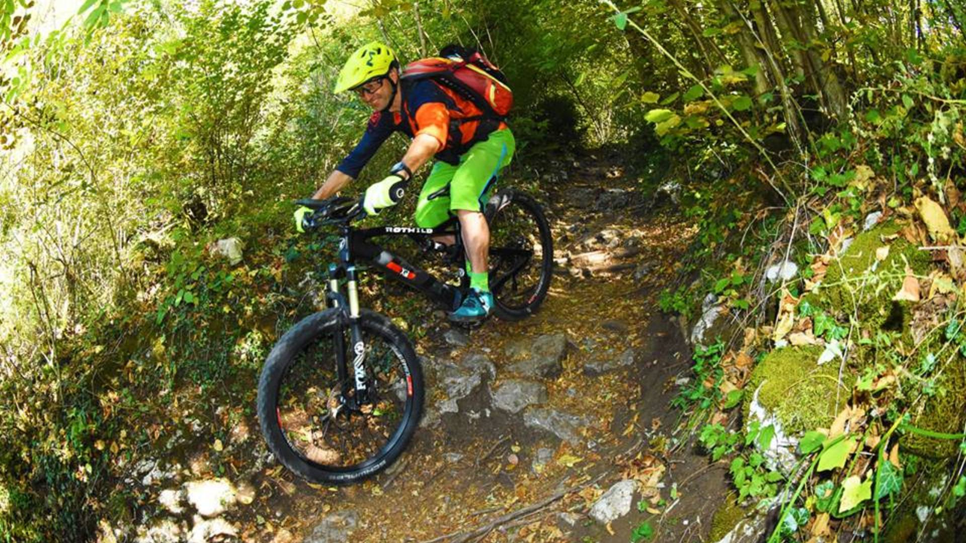 E-Bike: the pleasure to reach the most challenging peaks enjoying a pleasant stress-free day